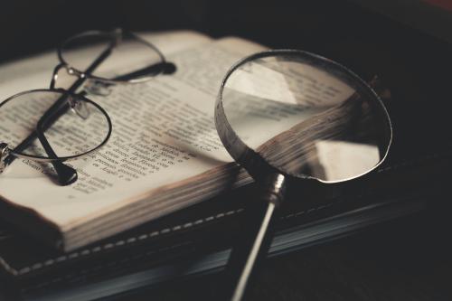 Czym różnią się tłumaczenia poświadczone od zwykłych?